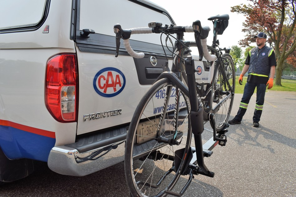 The new bike racks help CAA drivers safely transport members and their bikes home or to a nearby bike shop. (CNW Group/CAA South Central Ontario)