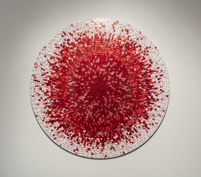 Nadia Myre, Meditations on Red # 2, 2013. Collection Musée d'art contemporain de Montréal. Photo : Richard-Max Tremblay (Groupe CNW/Musée d'art contemporain de Montréal)