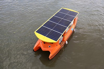 The boats Hanwha donated to the Clean Up Mekong campaign completely rely on Hanwha Q CELLS' Q.PEAK solar modules for power and propulsion
