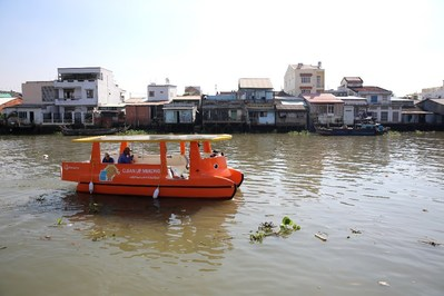 The solar-powered boats donated by Hanwha to the Clean Up Mekong campaign will use conveyor belts to quickly and efficiently scoop floating trash on the Mekong River's surface