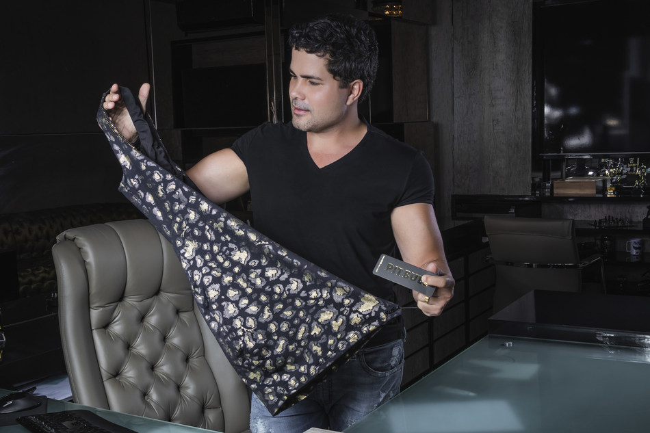 Pit Bull Jeans (PRNewsfoto/Pit Bull Jeans)