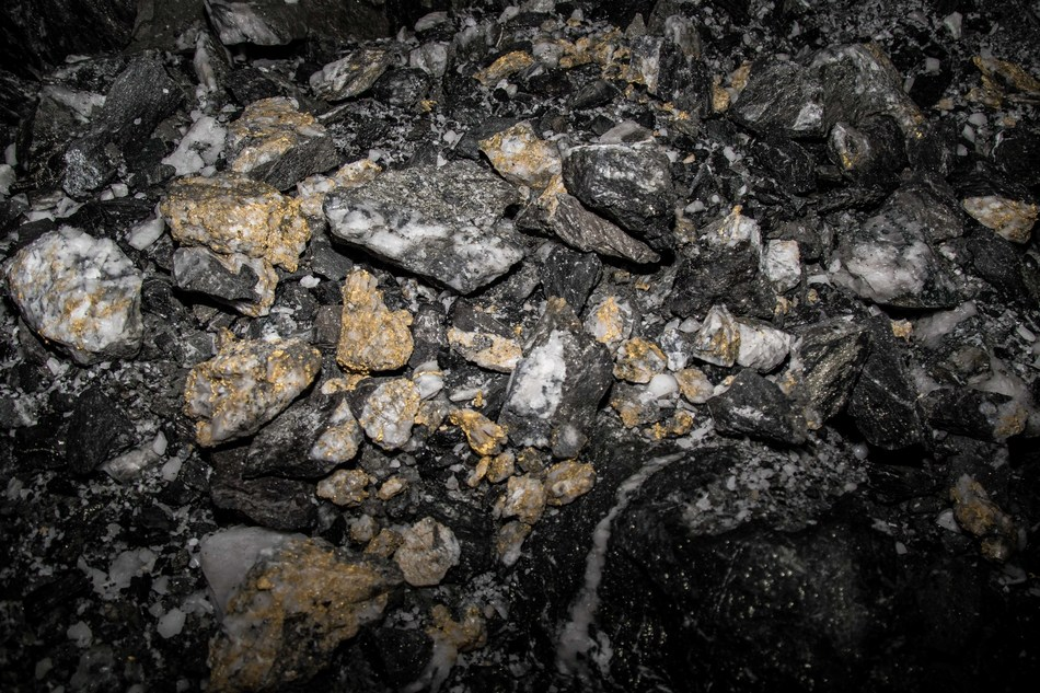 Figure 2: Blasted rock pile at new gold occurrence discovery on 16 L at Beta Hunt Mine (CNW Group/RNC Minerals)