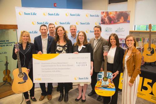 La Sun Life et Catherine MacLellan lancent le programme de prêt d'instruments de musique de la Sun Life dans le Service des bibliothèques publiques de l'Î.-P.-É. (Groupe CNW/Financière Sun Life inc.)