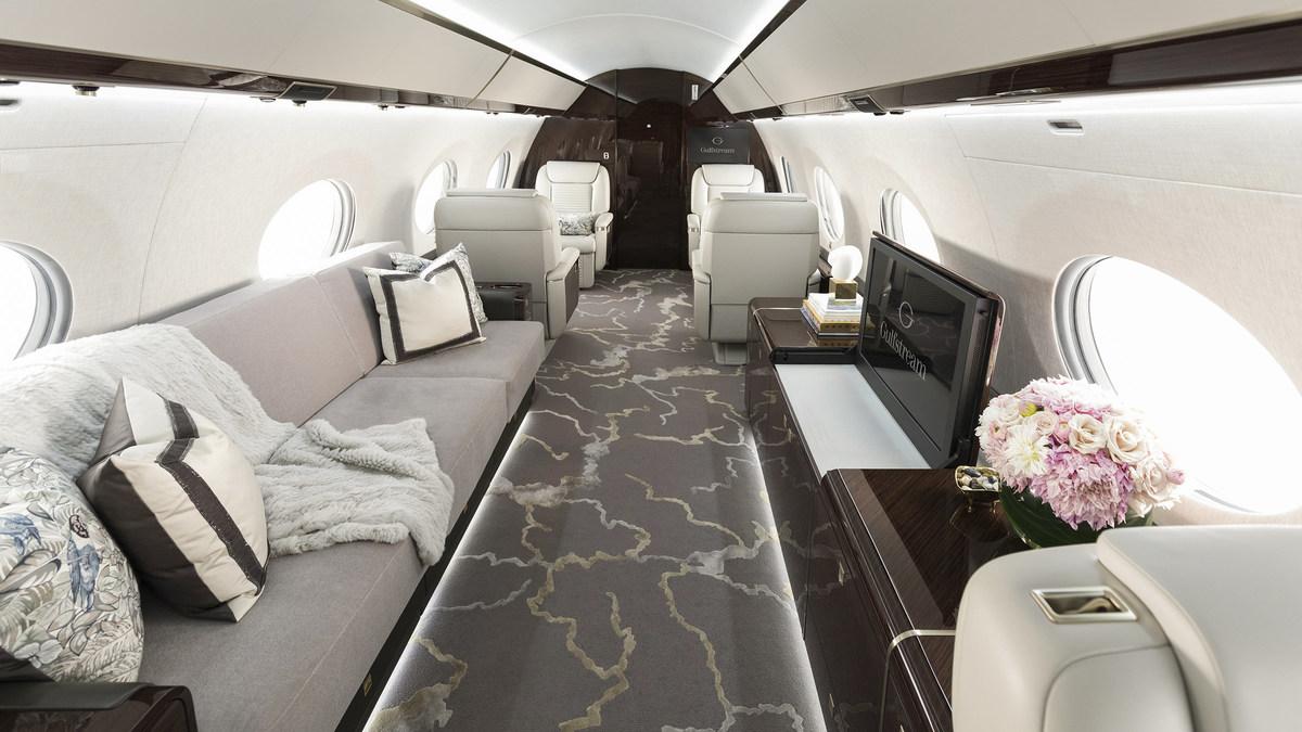 Gulfstream Lands International Yacht & Aviation Awards