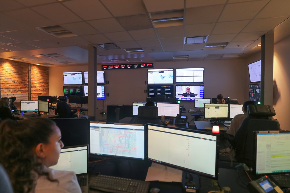 Blackline Safety partners with GEOS, expanding its Safety Operations Center with global dispatch. Blackline is now the world's only connected gas detection vendor with the capability to dispatch emergency services anywhere within 165 countries. (CNW Group/Blackline Safety Corp.)