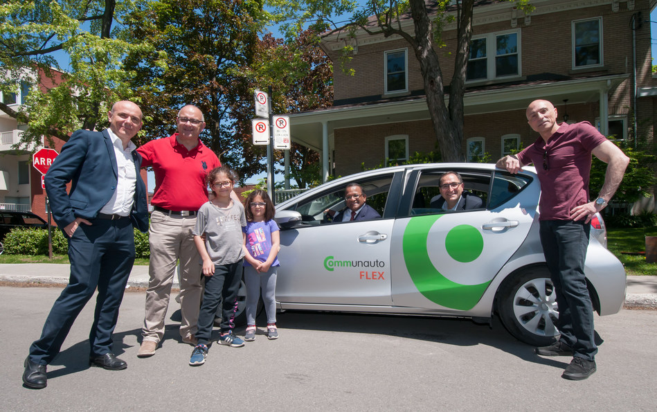 The Communauto FLEX service was launched on Saint-Laurent territory on June 7, 2019, in the presence of Marco Viviani, Vice-President - Strategic Development at Communauto; Aref Salem, City Councillor for the Norman-McLaren district; Alan DeSousa, Mayor of Saint-Laurent; Francesco Miele, City Councillor for the Côte-de-Liesse district; and Jacques Cohen, Borough Councillor for the Côte-de-Liesse district. (CNW Group/Ville de Montréal - Arrondissement de Saint-Laurent)
