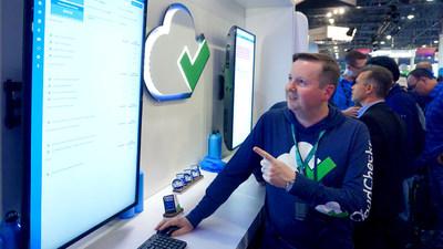 Sales engineer Craig Ogden demonstrates CloudCheckr independent cloud management platform (CMP) at a recent Amazon Web Services (AWS) event.