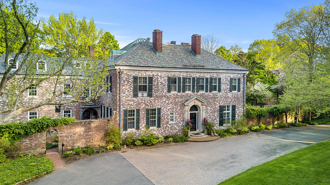 A historic Georgian Mansion in Milton, Massachusetts