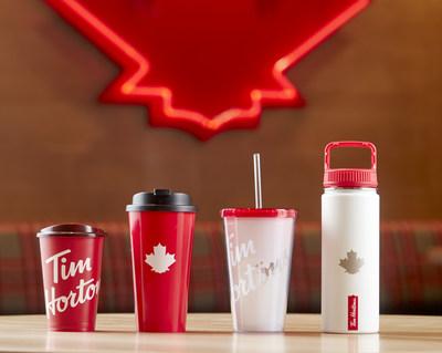 Tim Hortons lance une nouvelle tasse réutilisable qui sera offerte dans ses restaurants dès cet été. (Groupe CNW/Tim Hortons)