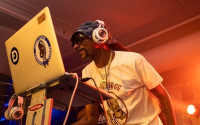 Snoop Dogg and LucidSound debut new LS50 Gaming Lifestyle Headset at E3 2019.