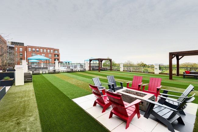 "Northwestern University students enjoy regular ""spring breaks"" on Evanston Place's spacious roof deck."
