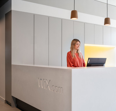 The Wix Dublin support team caters to Wix customers in multiple languages, including English, French, Spanish, Portuguese, German, Italian, and Russian.
