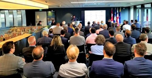 Mathieu Charbonneau, directeur général, présentant le rapport annuel 2018-2019 aux membres et partenaires de la Grappe. (Groupe CNW/Grappe Métropolitaine de Logistique et Transport Montréal)