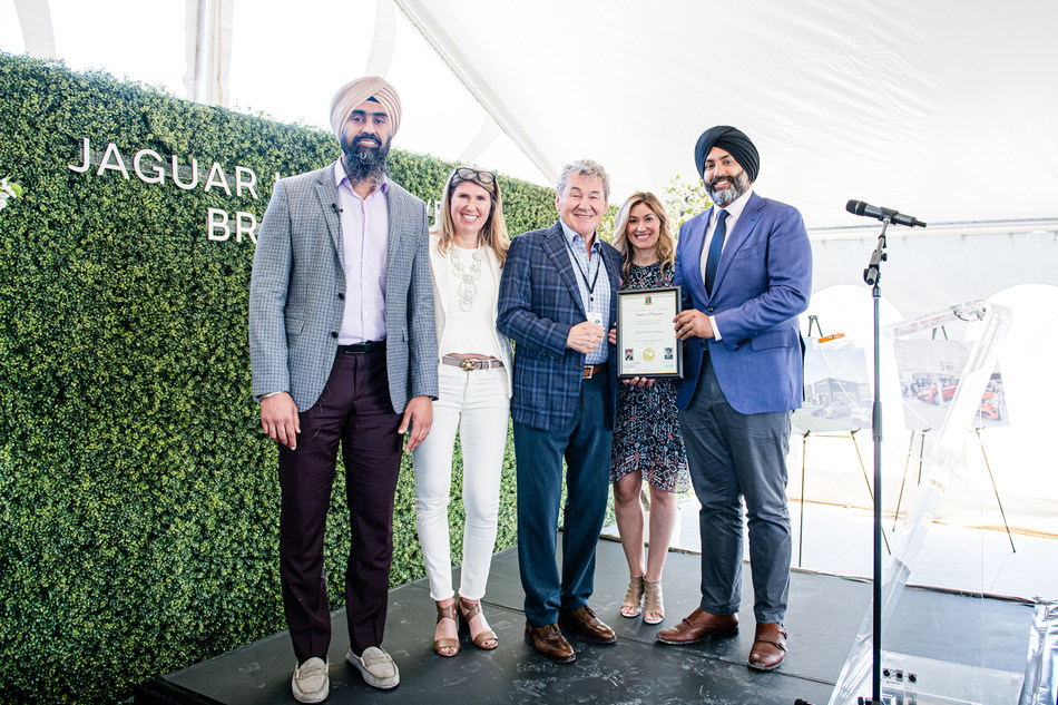 City of Brampton Councillor Singh and Councillor Dhillon present Zanchin Automotive Group with a Certificate of Recognition. From left to right: Councillor Gurpreet Dhillon, City of Brampton; Laura Zanchin, EVP, Zanchin Automotive Group; Joe Zanchin, Founder and CEO, Zanchin Automotive Group; Andria Zanchin, EVP, Zanchin Automotive Group; Councillor Harkirat Singh, City of Brampton. (CNW Group/Zanchin Automotive Group)