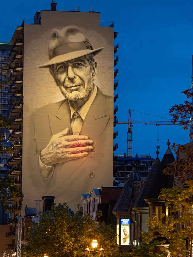 Photo taken of the lighting tests, Credit: Olivier Bousquet Photos of the official mural lighting will be made available on June 12th, 11 PM on this link: https://photos.app.goo.gl/GGScLq5eTPCYWG1v5 (CNW Group/Ville de Montréal - Arrondissement de Ville-Marie)