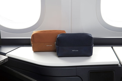 Business Cabin Amenity Kits featuring Matt & Nat (CNW Group/WESTJET, an Alberta Partnership)