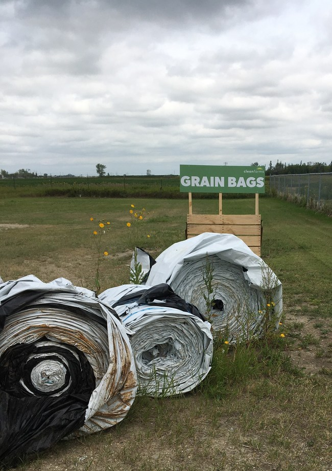Grain bags ready for recycling. (CNW Group/CleanFARMS Inc.)