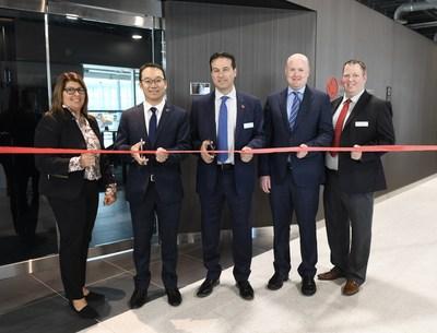 Air Canada ouvre un salon Feuille d'érable Express : une autre façon pratique de travailler ou de se détendre avant de prendre un vol pour les États-Unis à l'aéroport Toronto-Pearson (Groupe CNW/Air Canada)