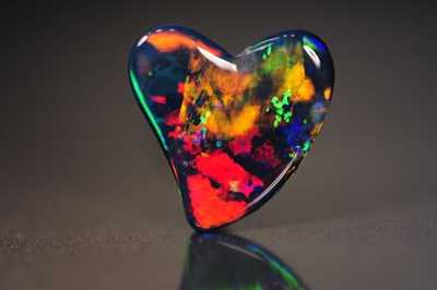 Heart-shaped black opal from Cody Opal (Australia)