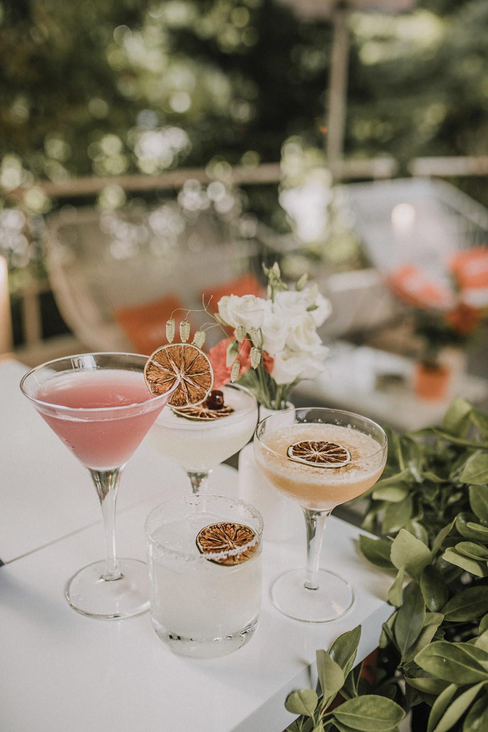 Cointreau's four classic cocktails (Cosmopolitan, White Lady, Margarita and Sidecar) (Cosmopolitan, White Lady, Margarita and Sidecar)