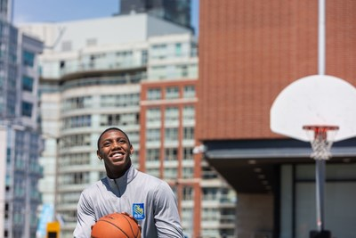 As a Team RBC athlete, RJ Barrett will build on RBC's long-standing commitment to young people and giving back to communities (CNW Group/RBC)