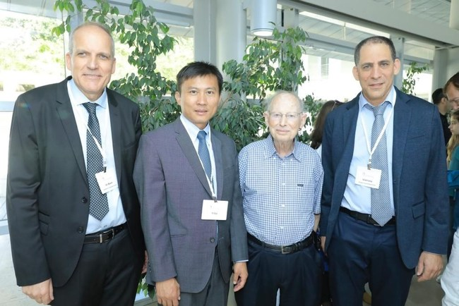 (Left to Right) Prof Uri Banin, Chair, former Founding Director of Hebrew University Center for Nanoscience and Nanotechnology (HUCNN), Prof. Yi Cui, Dan Maydan Prize in Nanoscience 2019 Laureate, Dr. Dan Maydan, former president of Applied Materials and Chairman of the Israel National Nanotechnology Initiative, and Uriel Levy, Director of HUCNN