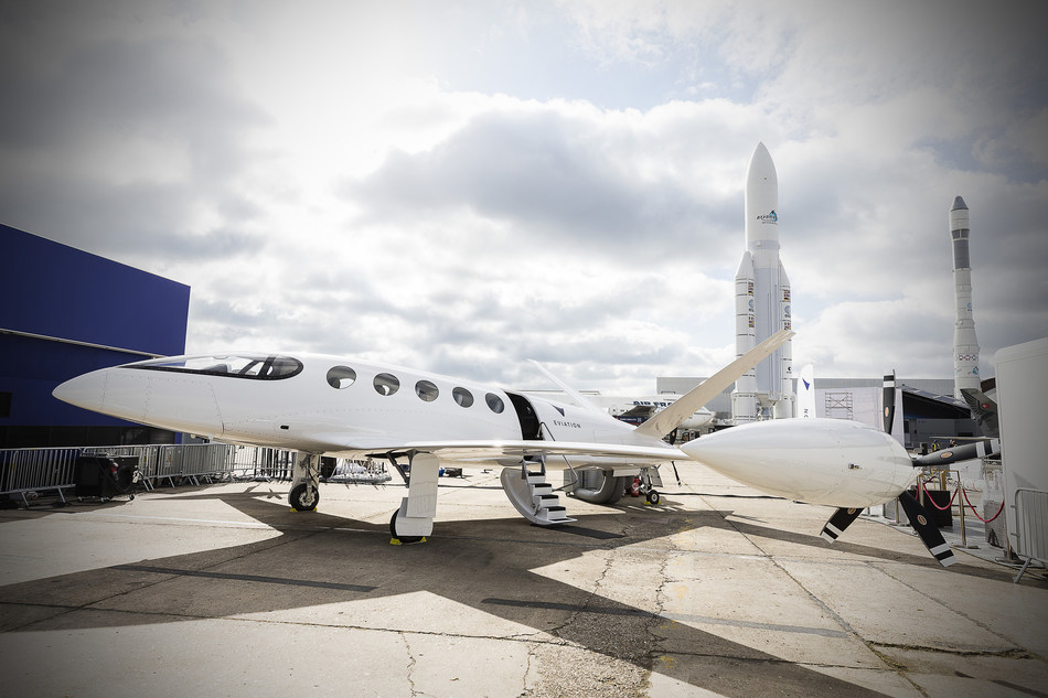 All-electric Alice from Eviation revealed at the Paris Air Show.