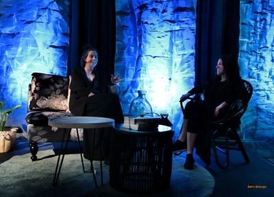 La comédienne Ève Landry et Annie Vanasse, directrice du Conservatoire de musique de Rimouski | Photo © Bertin Bélanger (Groupe CNW/Conservatoire de musique et d'art dramatique du Québec)