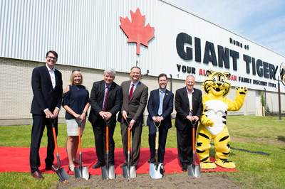 EVP & CFO Giant Tiger, Paul Wood; Gloucester-Southgate Councillor Diane Deans; Ottawa South MPP John Fraser; Ottawa South MP David McGuinty; Vice-Chairman of the Board of Directors for Giant Tiger Scott Reid; President & COO Giant Tiger Thomas Haig; Friendly, the Giant Tiger (CNW Group/Giant Tiger Stores Limited)