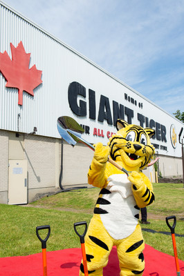Friendly, mascotte de Tigre Géant (Groupe CNW/Giant Tiger Stores Limited)