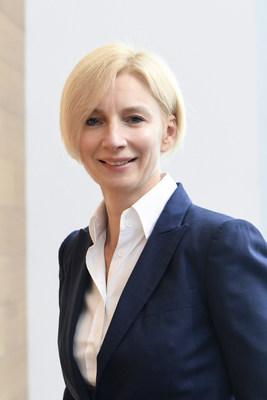 Claire Bara (CNW Group/Lassonde Industries Inc.)
