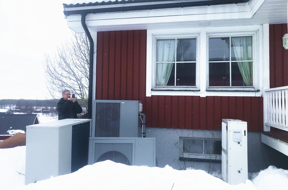 The photo shows the applications of PHNIX R32 inverter EVI Heat Pump in Sweden.