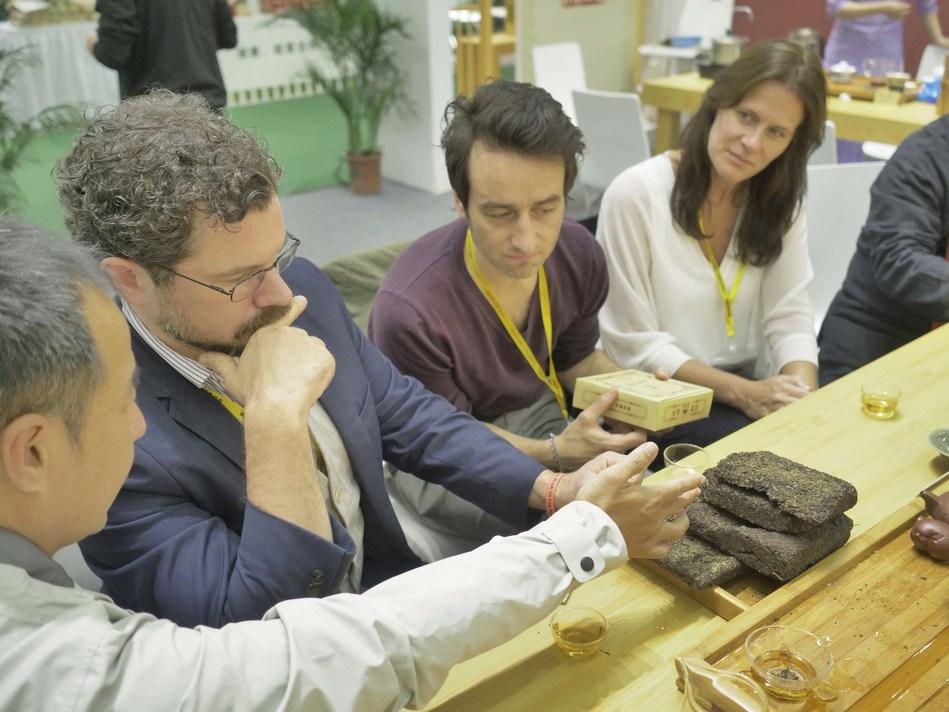 Overseas Buyers in HJC Global Tea Fair