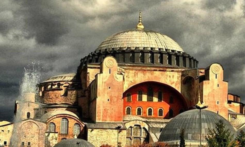 ELORA sa pyta, ci Greci zmenia pravoslavnu cirkev
