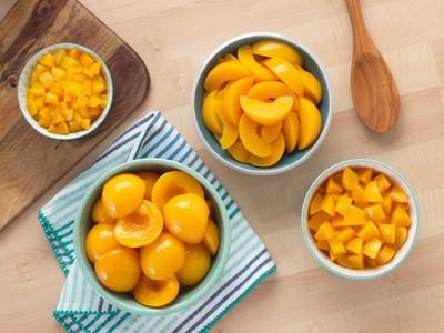 Los duraznos Cling de California en mitades, rebanadas, cubos o trozos son perfectos para cocina y repostería.