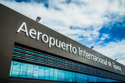 Aeropuerto Internacional de Tijuana, administrado por el Grupo Aeroportuario del Pacífico.