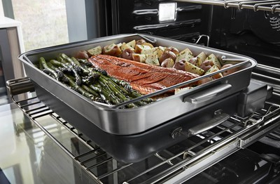 The Powered Steamer Attachment enables control via the oven's display, allowing precise steam-cooked appetizers, entrees and even a complete dinner of meat or fish, potatoes or pasta and vegetables in just 20 minutes.