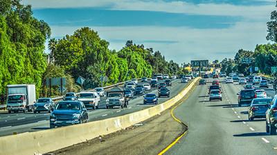 """""""Risky Roads"""" - Autopista 405, Los Ángeles, CA"""