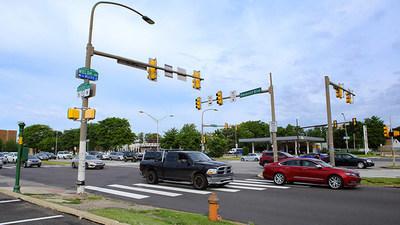 """Risky Roads"" - Roosevelt Boulevard, Filadelfia, PA"