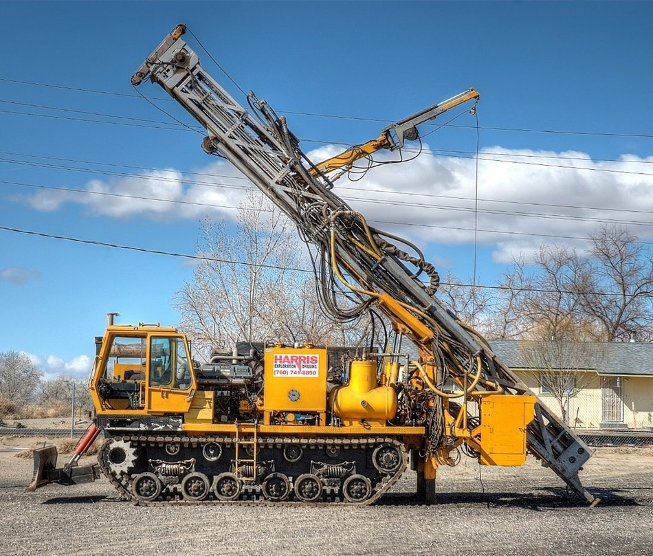 Photo is actual Schramm T685 Track Drill to be used at Bolo (CNW Group/Barrian Mining Corp.)