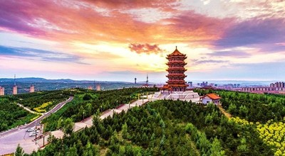 Ulanqab, hailed as a summer resort on the grassland in China, was included in the list of Top 10 Summer Resorts of China 2019 in the recent China (Changchun) Summer Tourism Summit 2019.