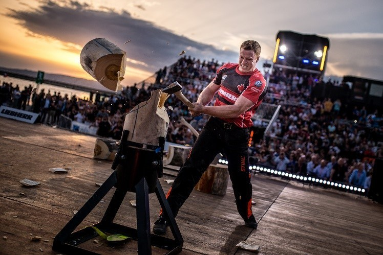 Stirling Hart is the defending 2018 STIHL TIMBERSPORTS Canadian Champions Trophy winner. Here, Hart competes during the 2018 STIHL TIMBERSPORTS World Champions Trophy in the single buck and standing block chop disciplines. (CNW Group/STIHL TIMBERSPORTS)
