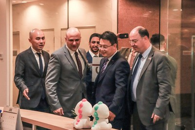 BIGO's President, Jason Hu welcomes Jordan Minister for Digital Economy and Entrepreneurship, His Excellency, Mothanna Gharaibeh and other Jordanian technology firms together with BIGO's General Manager for MENA and Europe, Jackson Liu (on left) at the BIGO's Singapore Head Office.