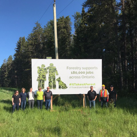 From left to right : Stephanie Parzei (EACOM), Jenny Tallman (CCSIC), Chantal Alkins (Obishikokaang Resources Corporation), Dianne Loewen (Domtar), Dave Legg (Dryden Forest Management), Scott Jackson (Forests Ontario), Mike Maxfield (Resolute Forest Products), Keith Proctor (Louisiana-Pacific) (CNW Group/Forests Ontario)