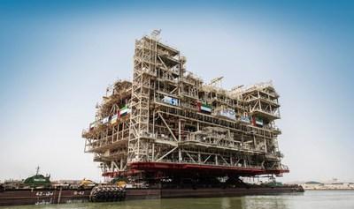 阿布扎比庆贺全球最大海上石油平台之一完工