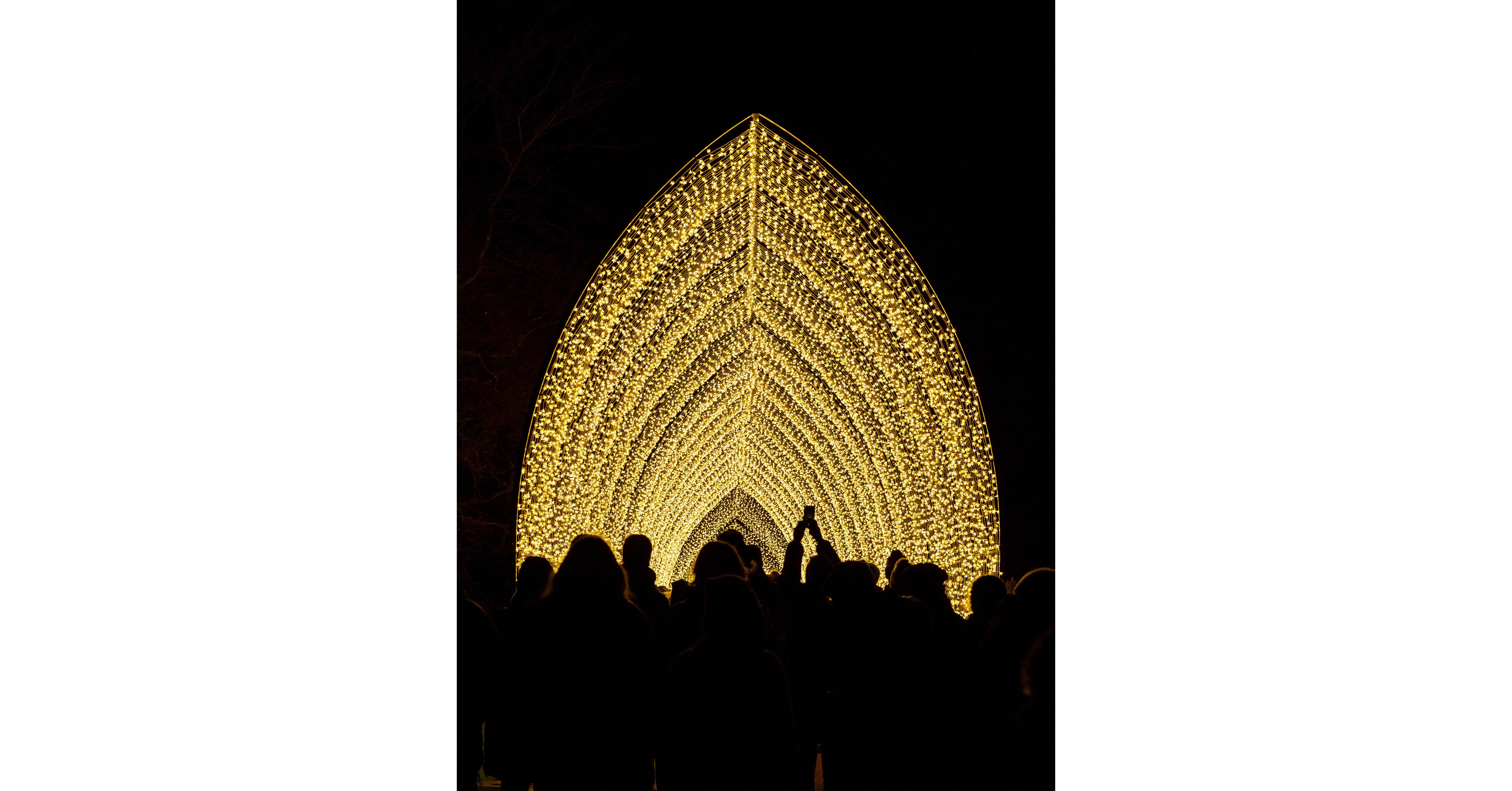 Chicago Botanic Garden Introduces Lightscape For 2019 Holiday Season