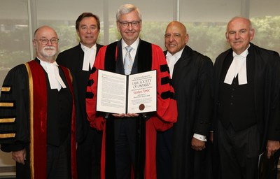 The Law Society of Ontario (LSO) presented Professor Stephen Toope (centre) with an honorary LLD at the Toronto 26 afternoon Call to the Bar ceremony in Toronto in recognition of his outstanding career as a scholar and academic leader. Shown here, congratulating him are (l-r): LSO Treasurer Malcolm Mercer; Emeritus Treasurer Thomas Conway, LLD; Ex-Officio Bencher Harvey Strosberg, Q.C., LLD, LSM; and The Hon. James C. MacPherson. (CNW Group/The Law Society of Ontario)