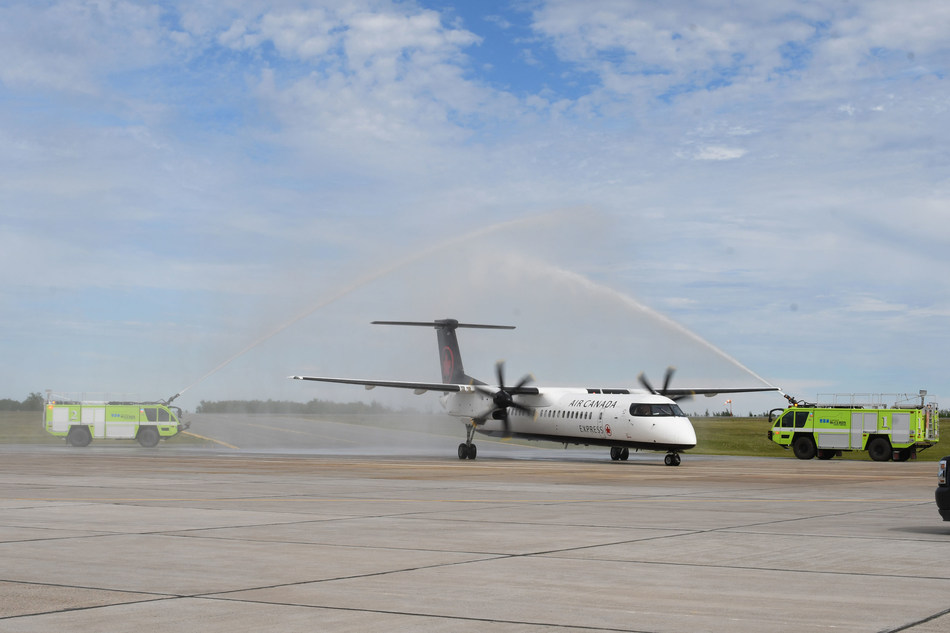 This arrival of flight AC7998 in Sydney yesterday marked the beginning of daily service between the two cities until October 26, 2019. (CNW Group/Air Canada)