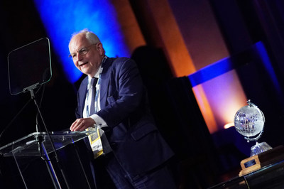 Martin Wolf, chief economics commentator of the Financial Times, received the Lifetime Achievement Award at the 2019 Loeb Awards.