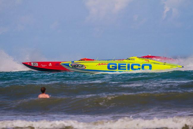 Miss GEICO races against the Zabo and Lucas Oil Teams during the 2019 Thunder on Cocoa Beach Race.